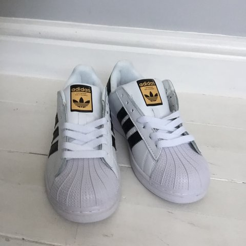 buy online d558b e2674 Fake adidas superstar trainers. Size- 0