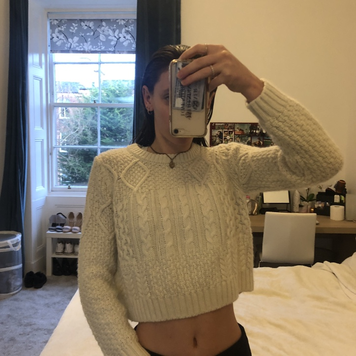 the latest look for shades of White Knitted Cropped Jumper Topshop Size 8... - Depop