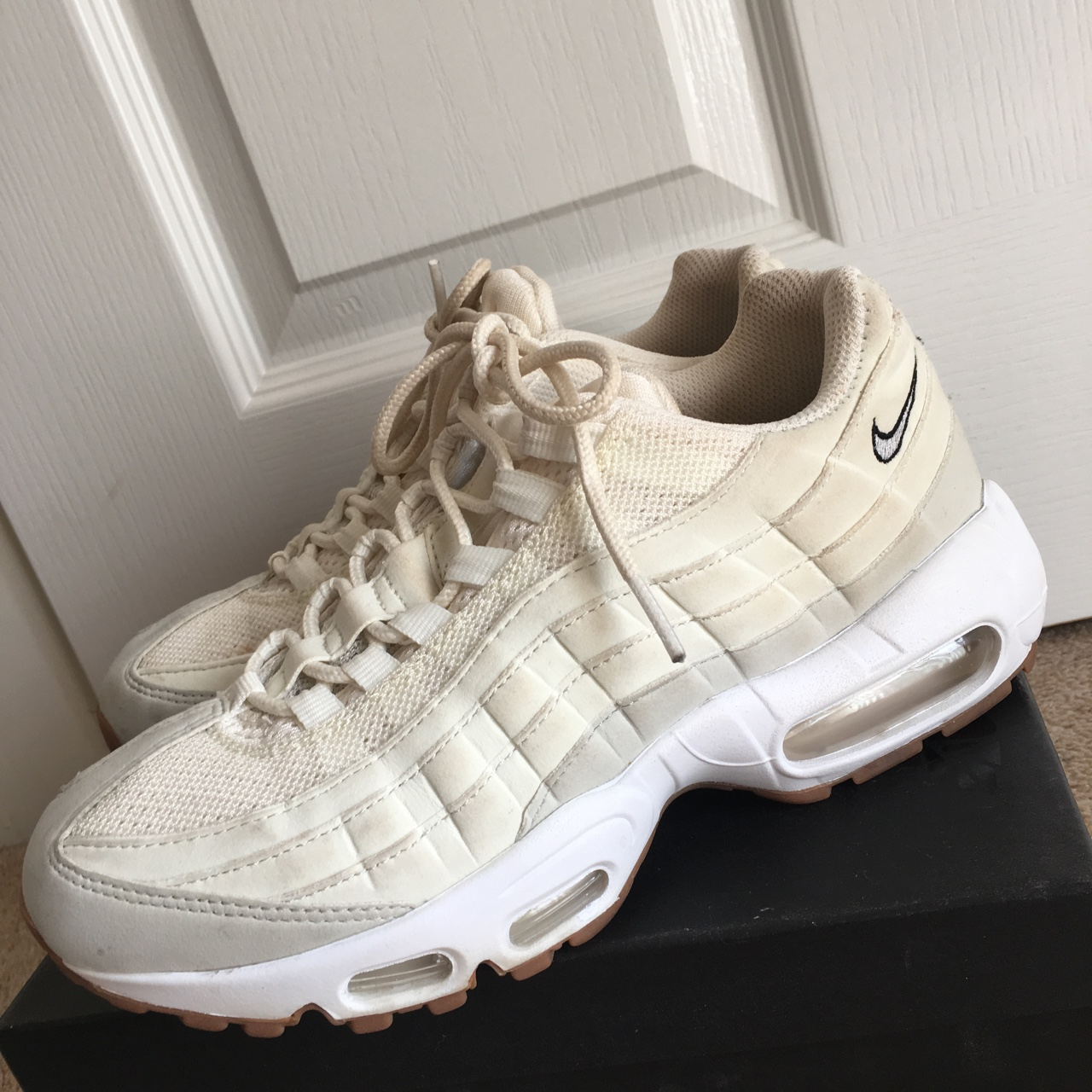 Air max 95s in cream and brown , size 5