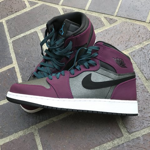 b7557671eaebfd  shanialynns. 4 months ago. United States. Air Jordan Retro 1 s - purple  with teal and black laces.