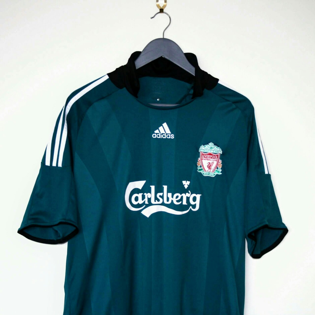 huge discount 4c8dc 4983d Liverpool Adidas 2008/09 3rd Away kit size XL.... - Depop