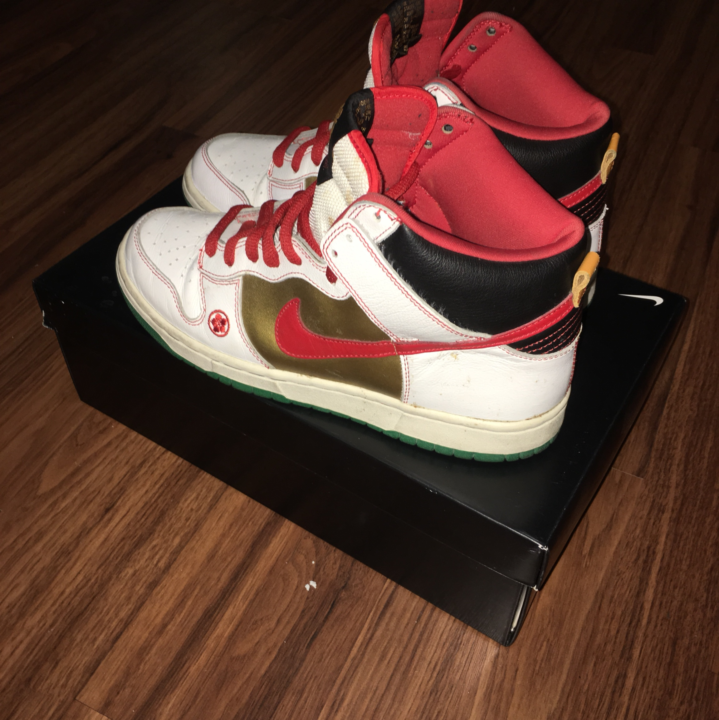 los angeles b24a7 a8170 Nike Sb Dunk Money Cat High Condition: 7/10 Size:... - Depop