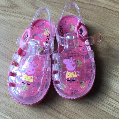 86cfa1641221 Next peppa pig jelly shoes infants size 4 been worn once £4 - Depop