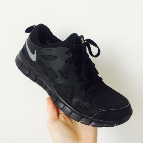 1b4f166c77558 Nike gym wear running shoes Free runs 2 Only selling as I - Depop