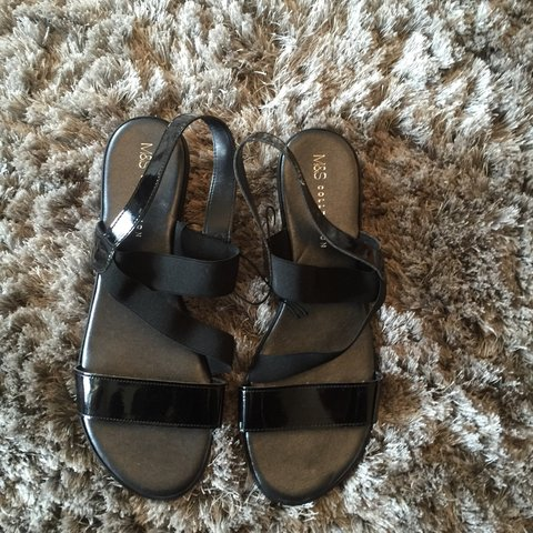 5d87c6916 Black m and s sandals size 8 brand new never worn - Depop
