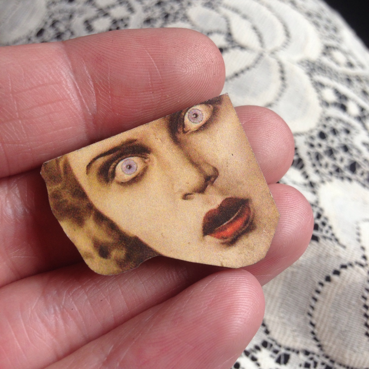 Creepy lady face brooch  Made from laser cut wood  A    - Depop