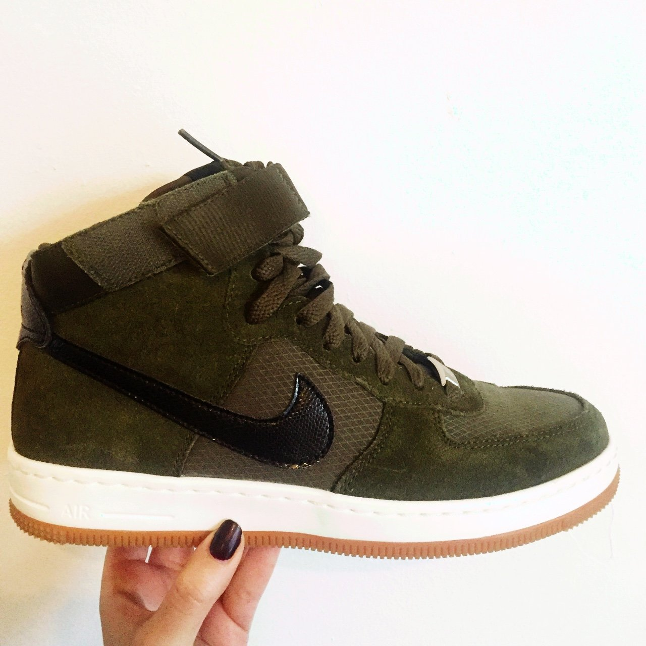NIKE AIR FORCE 1 HIGH OLIVE GREEN UK5 WOMENS. HARDLY  womens - Depop 318523547