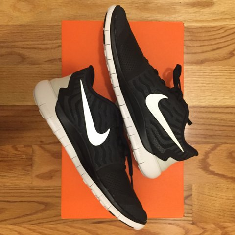 2ddf07a6dc56 Nike Free 5.0 training running shoes   women s size 8   NEW - Depop
