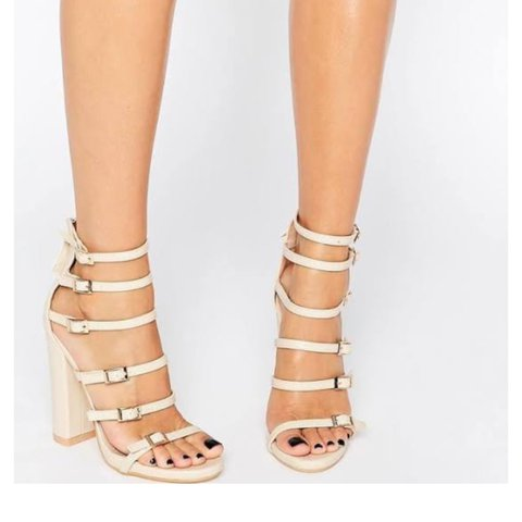 217ea19b1550 MISSGUIDED Block Heeled Buckle Sandal - Nude UK 4 Over the - Depop