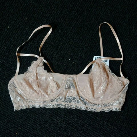 4ff78c5d312 Lacy little bralette from Kimchi Blue -baby pink   cups
