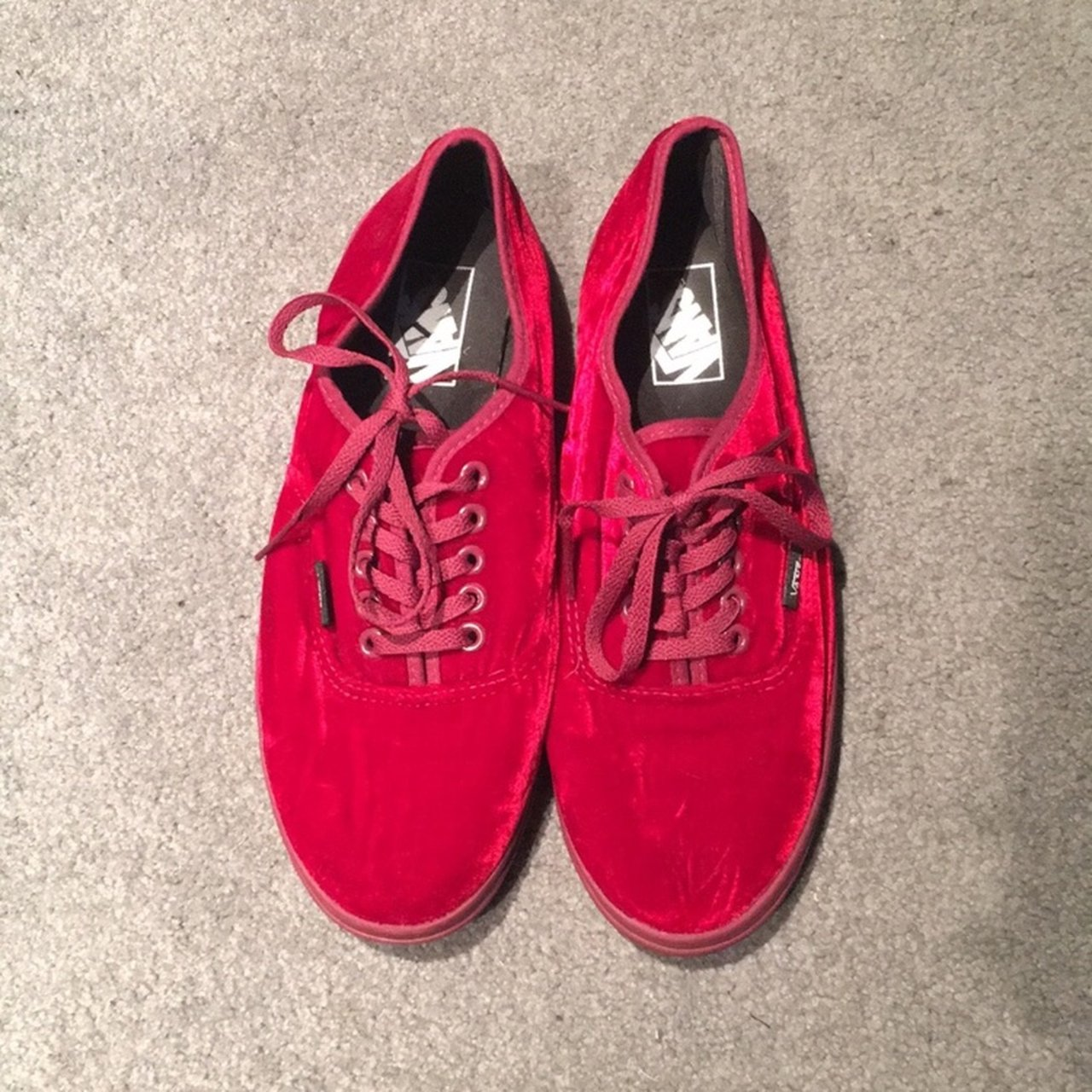 056697b24fa747 Vans red velvet lo pro sneaker in perfect condition