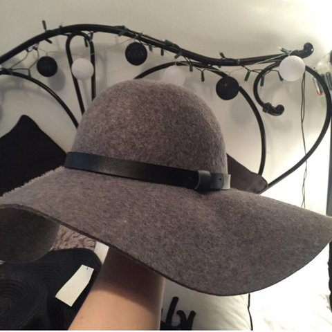 bbd1167f0ffae Grey H M Floppy Hat - Size Small. Brought for a city break - Depop