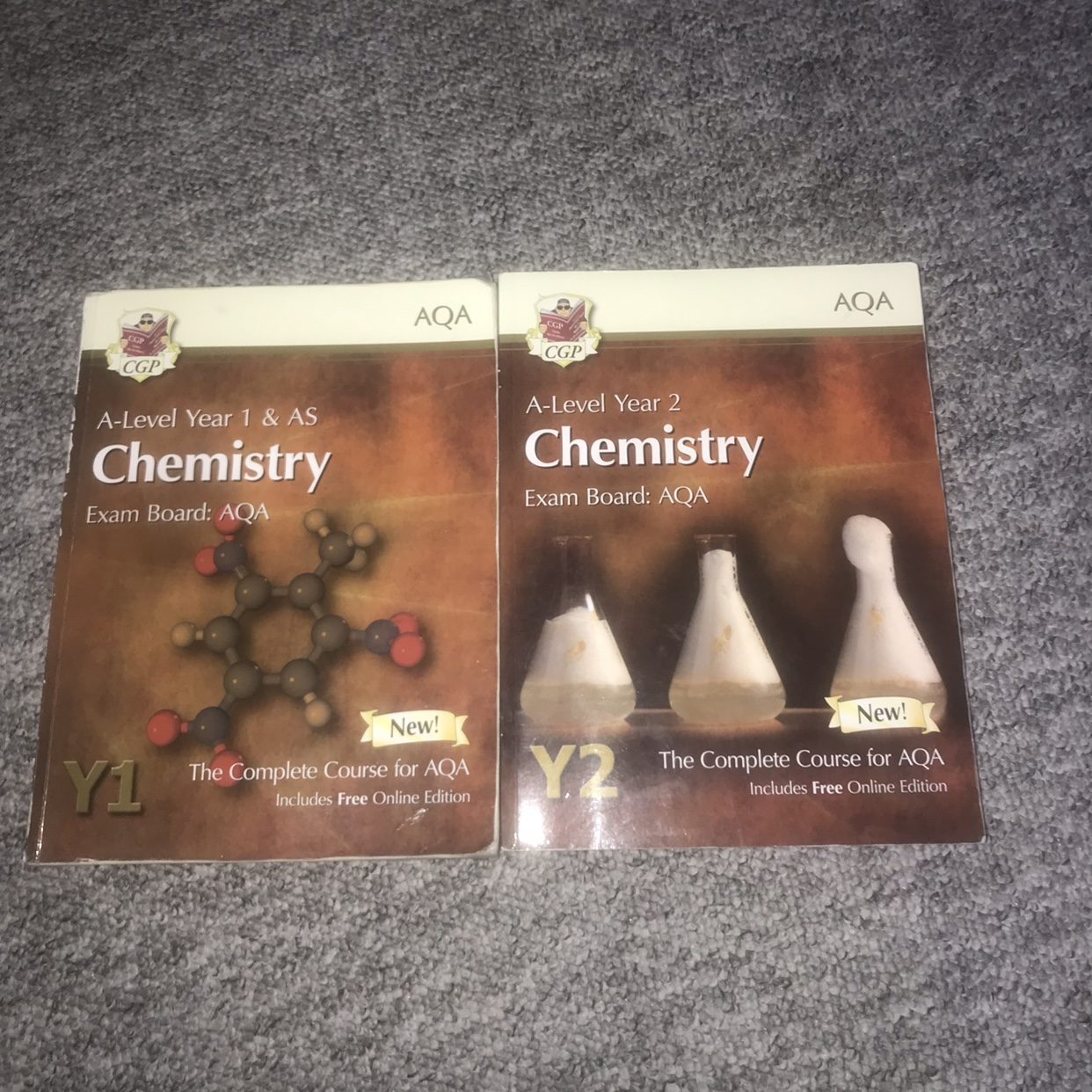 Two A-level AQA Chemistry textbooks! Great    - Depop