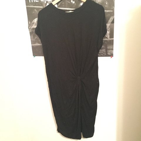552055442c3 Silence + Noise knotted tshirt dress. Features a side knot