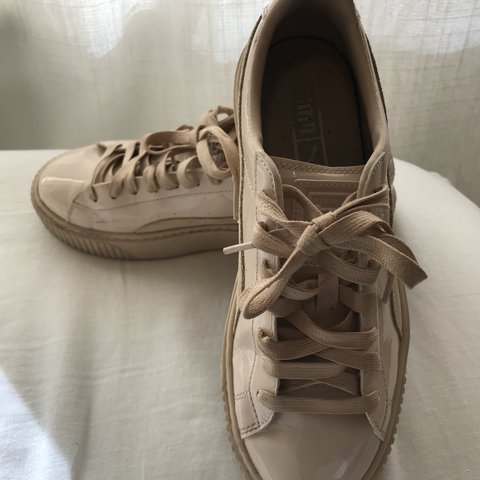 pumas US women s size 8. Patent leather 7ee3d6926