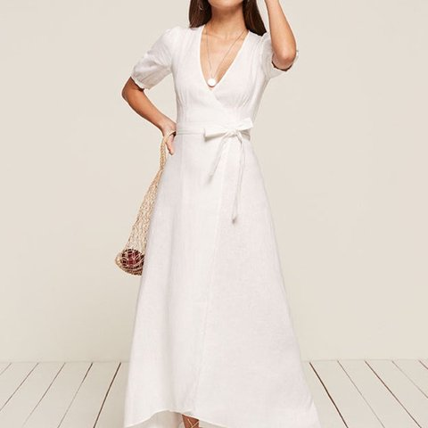 1a1dbeed10 Reformation white linen maxi dress with puff sleeves Wrap - Depop