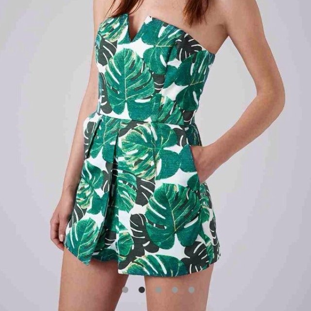 ed2b0b38b4 Topshop skort palm leaf tropical playsuit. Size 8. brought a - Depop