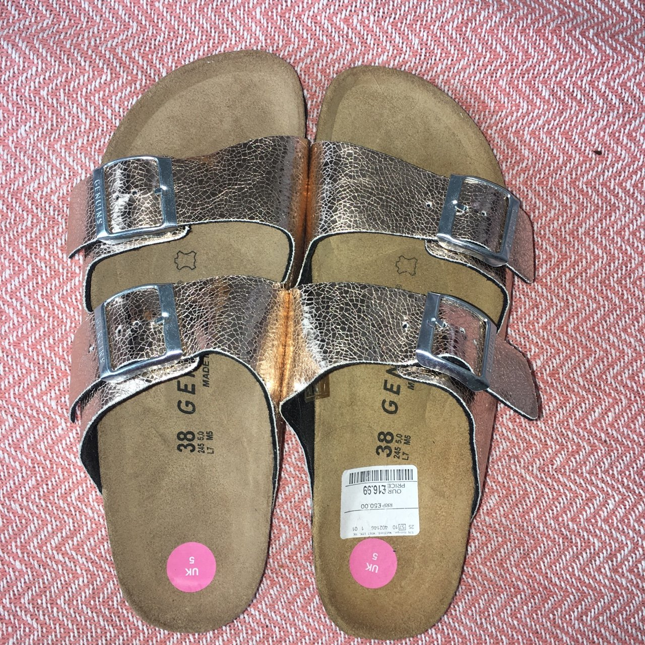 bef9e446b472 Brand new. Never worn. Birkenstock style sandals in gold. 5