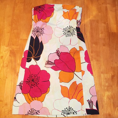 d503107c3d Thrifted floral Banana Republic dress. Never worn. - Depop