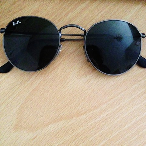 c41e47f156 Ray Ban Round Metal 3447 029 50mm Still in excellent No a - Depop