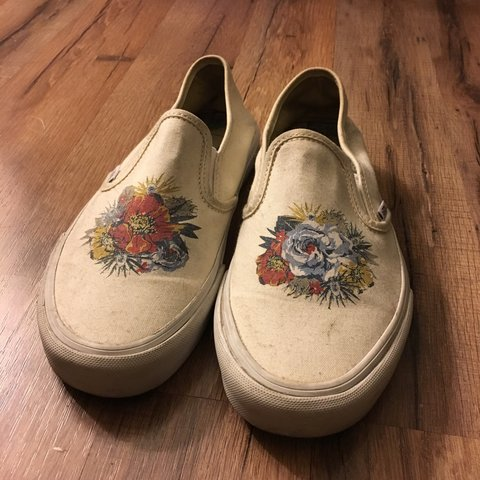 2483a8e26c0aa4 PRICE DROP    Extreme rare Vans ultracush slip ons for Nice - Depop