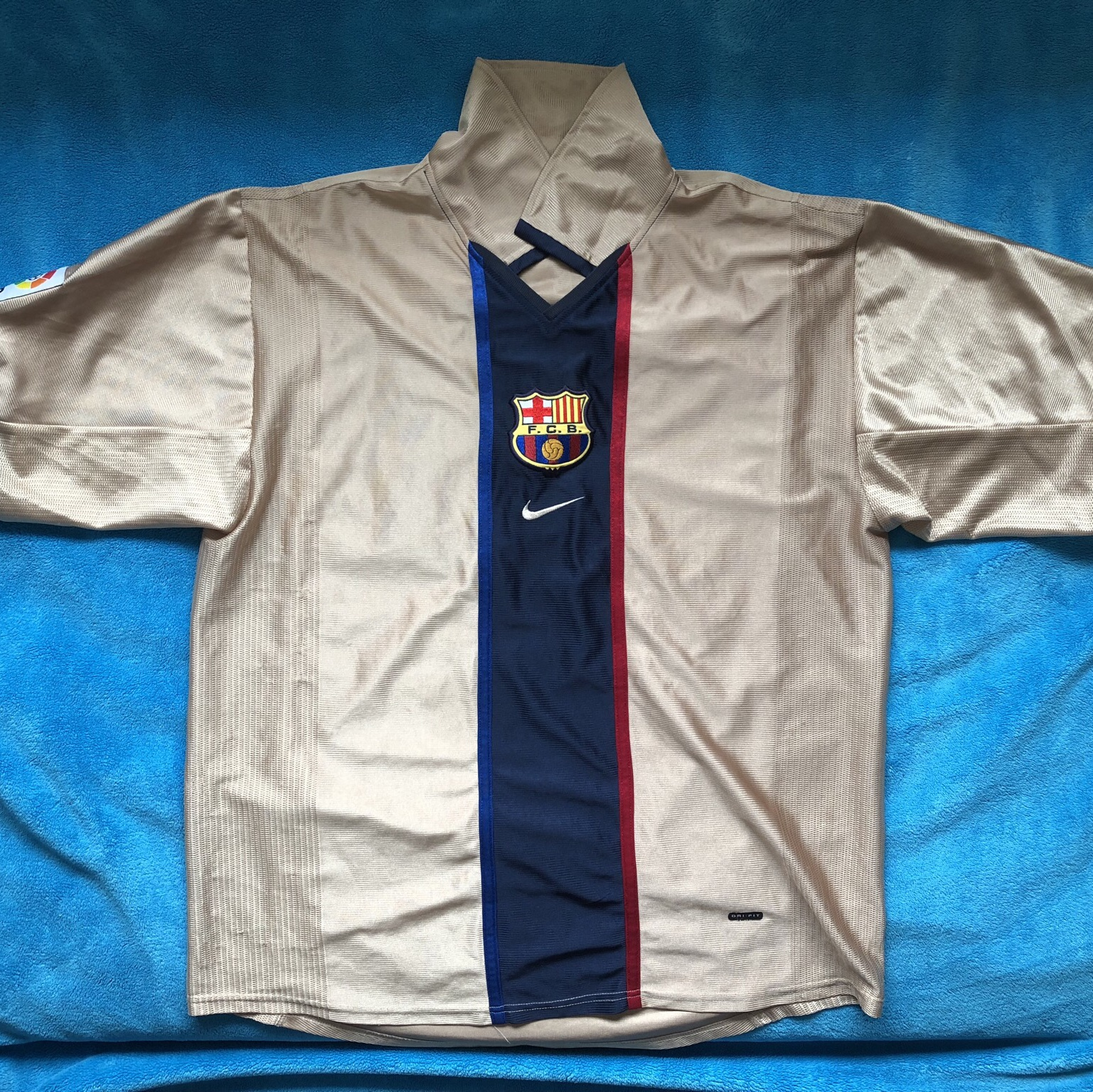 size 40 82d9c 2ab3f Nike gold Barcelona Away kit 2001-2002. Size... - Depop