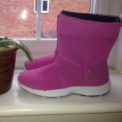 4f77f97ad8a0  ryancapuano. 3 years ago. United Kingdom. Nike Winter Pink purple suede boots  women s ...