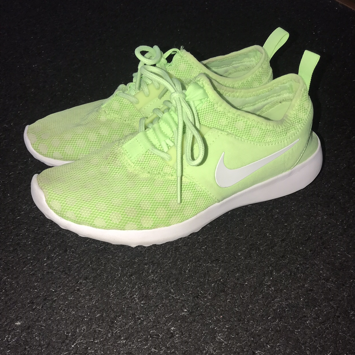 Nike Womens Lime Green Trainers Size 5