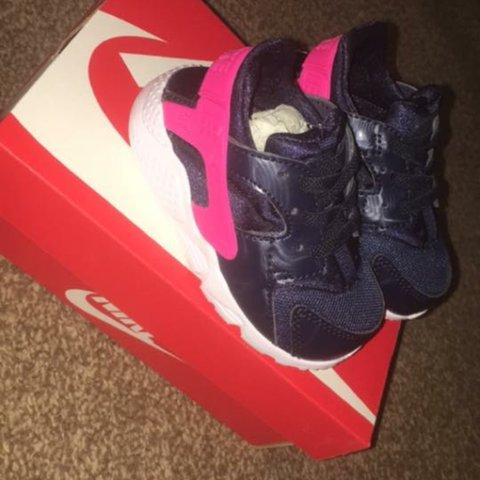 e02e3930cf93 Baby huaraches 4.5 don t fit! And my little girl got them a - Depop