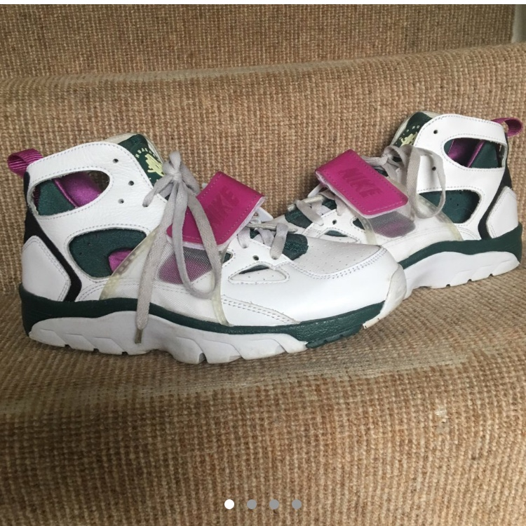 sports shoes abc4a 74587 Nike Air Trainer Huarache (old school strap... - Depop