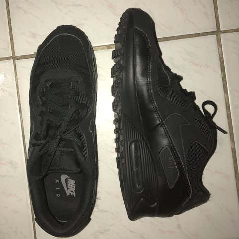6073ee3c8f2c7 Nike Air max 90 black Gently used Size US 11 Mens but can - Depop