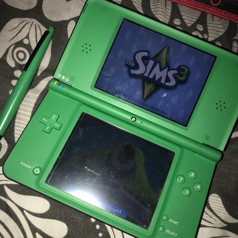 a489a12c7 LOWERED THE PRICE TO £45   Nintendo green DSI XL