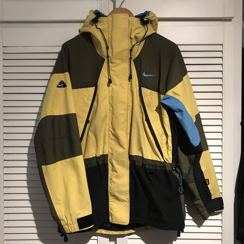 968048971c17 amazing vintage nike ACG waterproof coat yellow
