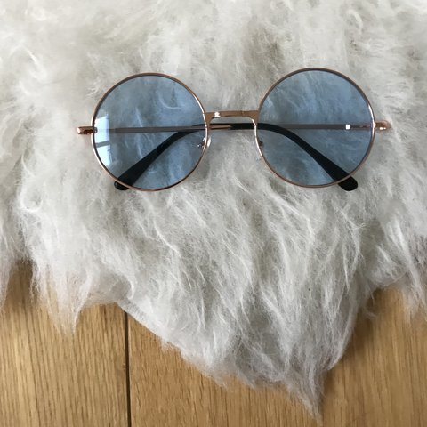 5837a0b2eeed8 vintage round light blue tint unisex rose gold metal frame • - Depop