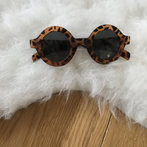 9b8694f5d @sylkstore. 10 months ago. London, United Kingdom. Vintage round tortoise  shell circle frame unisex sunglasses ...