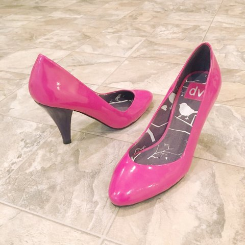 0b53b0a6422 DOLCE VITA patent leather hot pink and purple heels