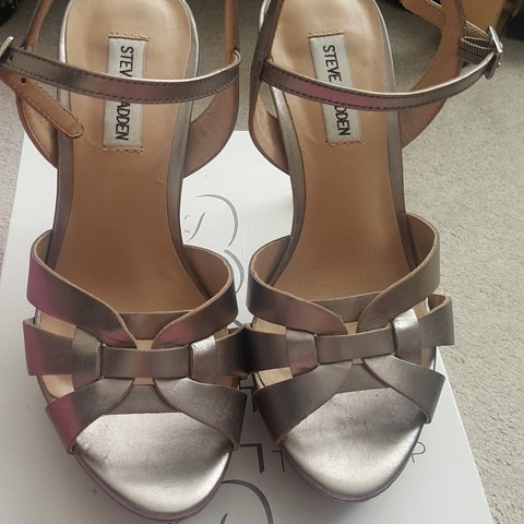 5bd552f5991 Steve Madden pewter heels Ysl tribute style Worn once from - Depop