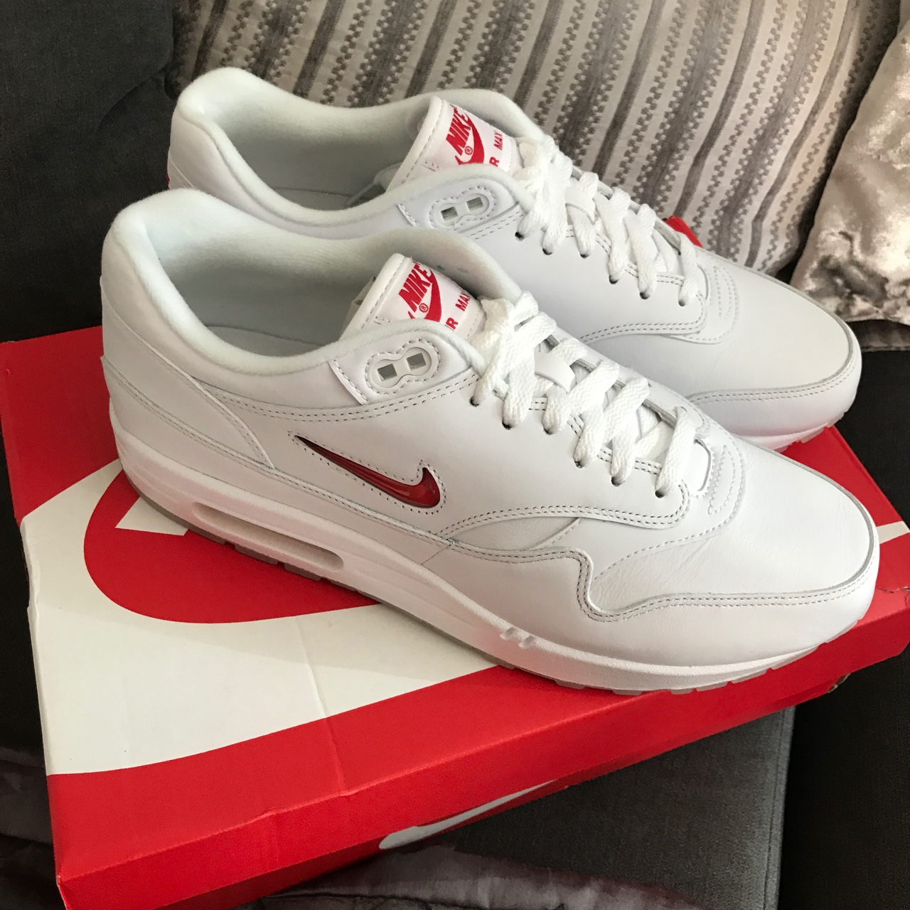 NIKE AIR MAX 1 OG RUBY RED JEWEL SIZE 9 BOXED WITH