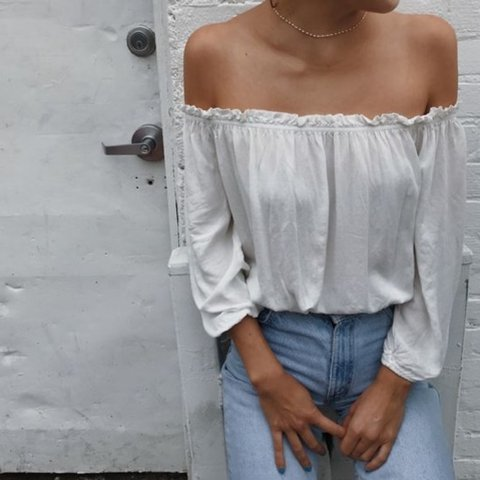 c8eaaa8229832 Brandy melville white off shoulder Maura top