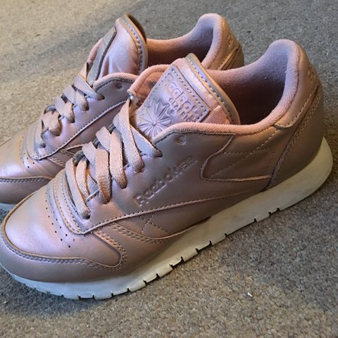 cceb19d38e6 Rose gold Reebok classic leather pearlised trainers. Size 3. - Depop