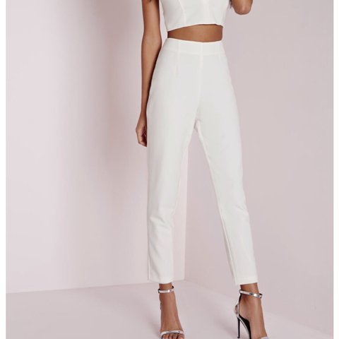 0eb860cb67c Selling Missguided white Cigarette trousers BRAND NEW WITH - Depop
