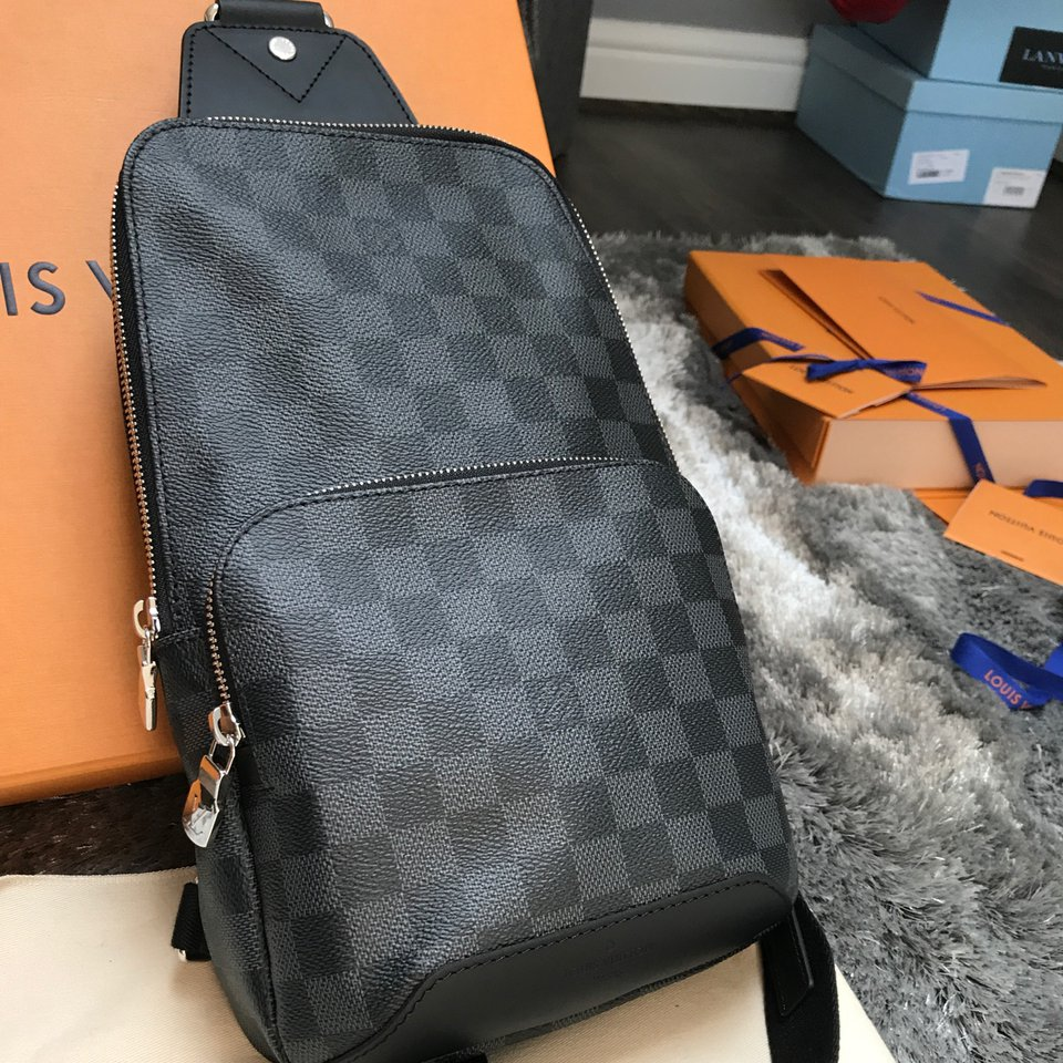 Louis Vuitton avenue sling bag  Used only on    - Depop