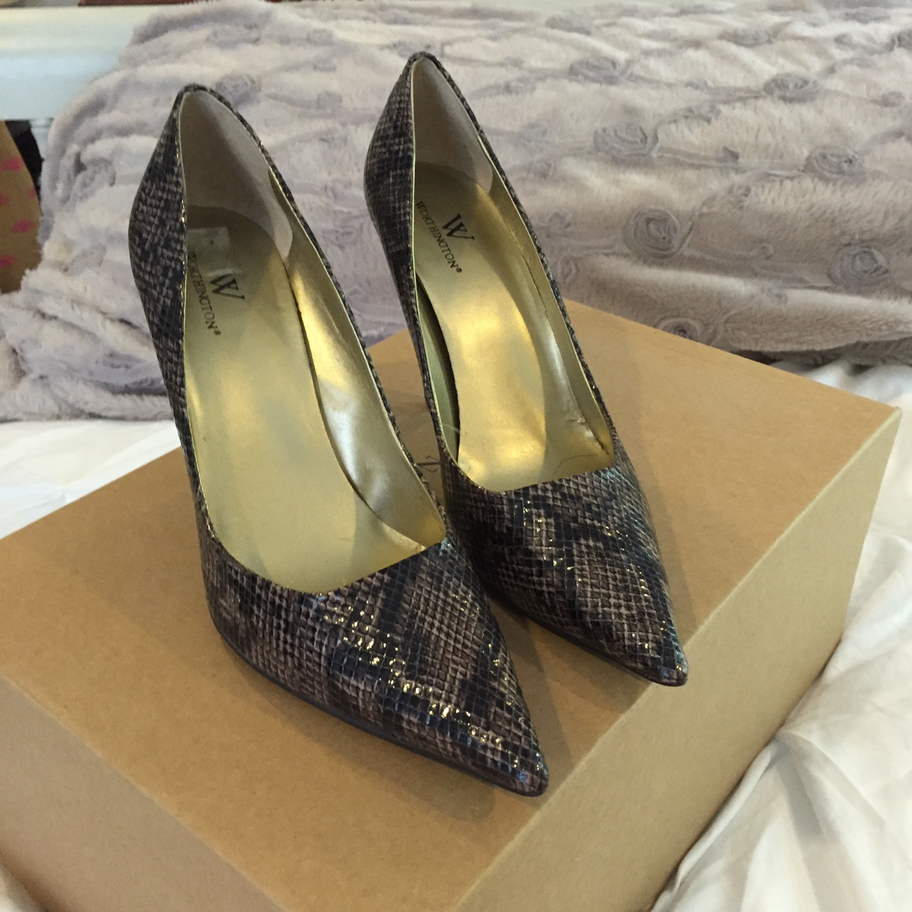 Worthington snake skin pointed toe heeled pumps     - Depop