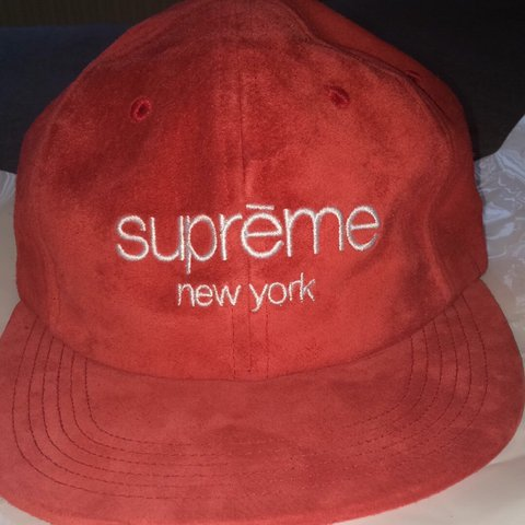 95d27f53 @samuelphillips16. 3 years ago. Whitefield, UK. Supreme Classic Logo Red Suede  6 Panel. Amazing hat.
