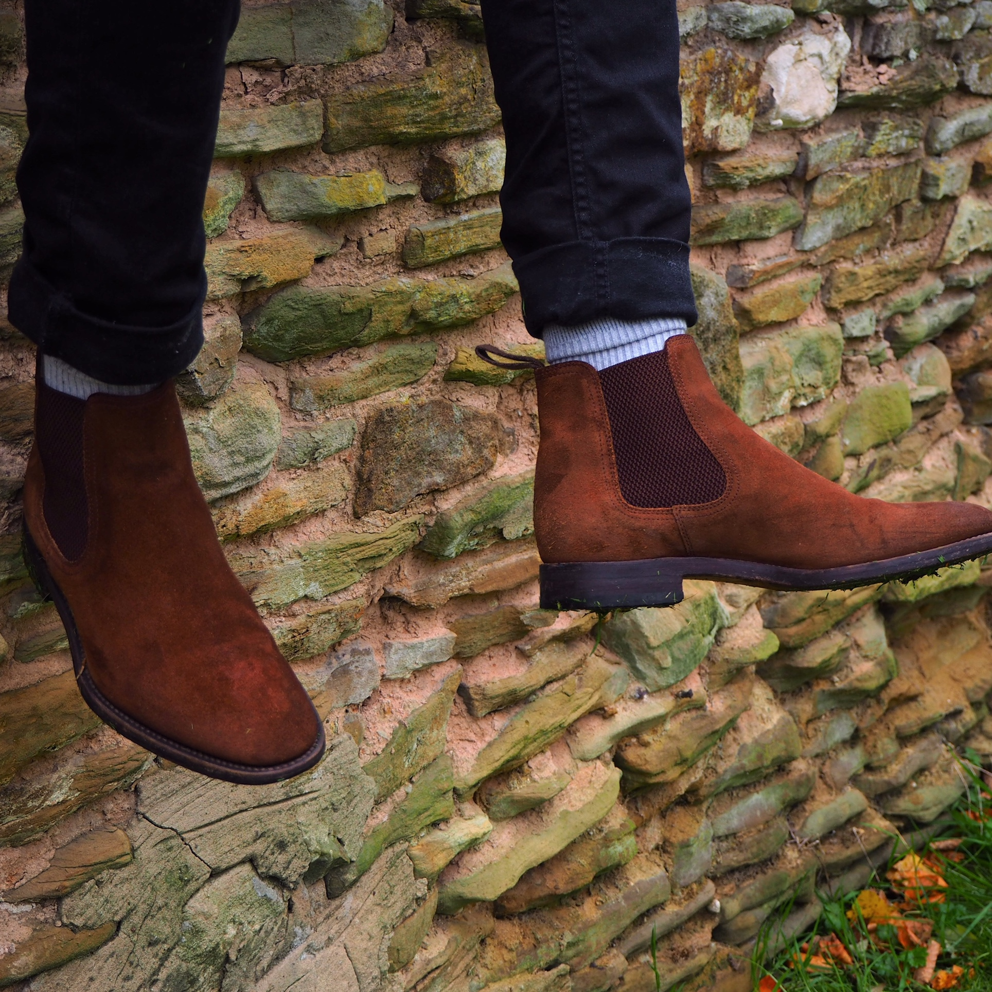 Loake Mitchum, brown suede leather