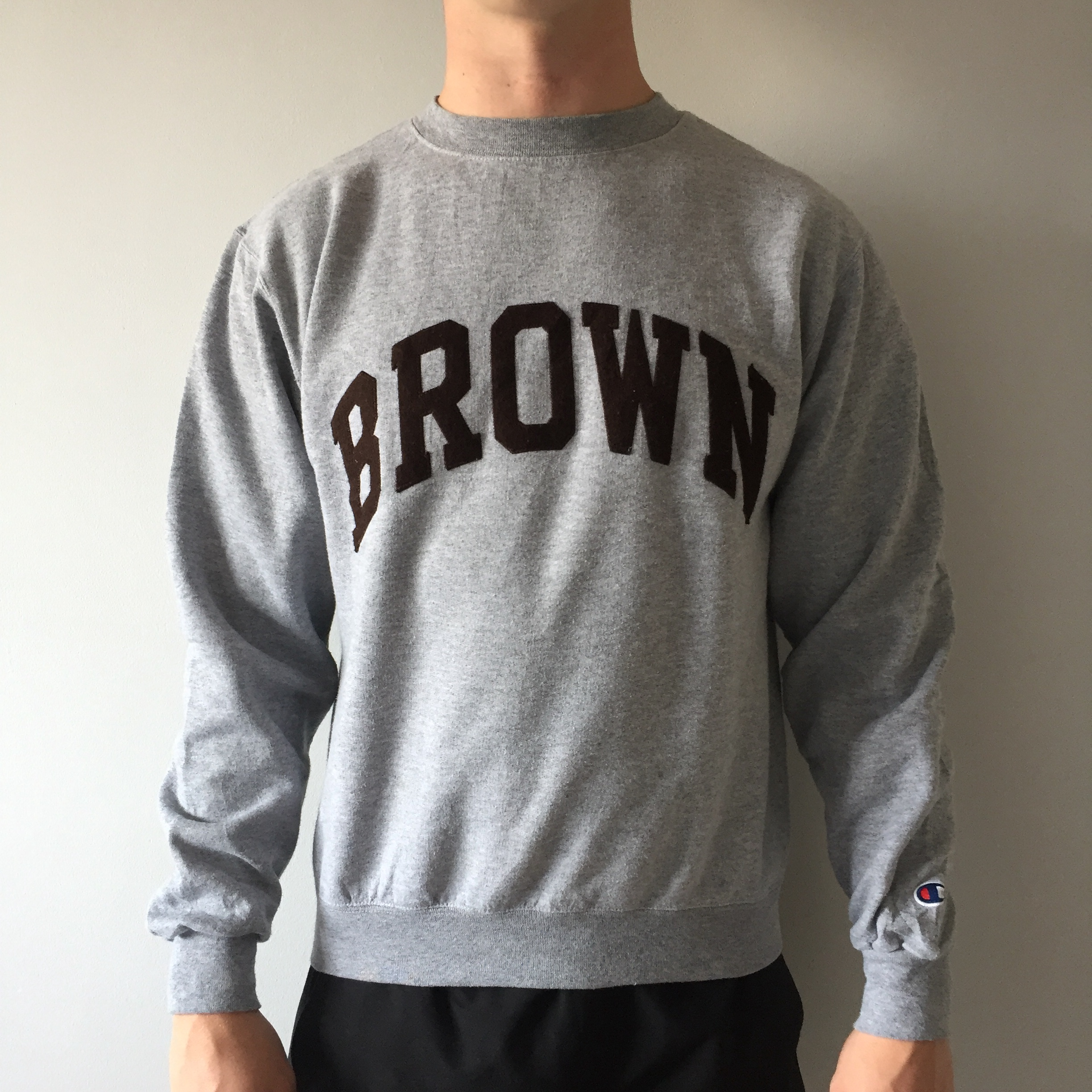 69c9e4c88e6d Vintage men's champion BROWN University crewneck... - Depop
