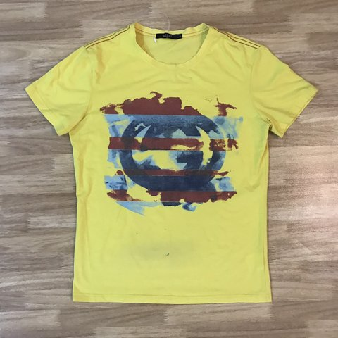 8fbc88d5882 Gucci Paint Print Logo Women s T-Shirt. Fit women s large to - Depop