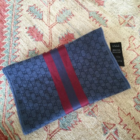 cd6fc4748b9ea5 Gucci scarf 100% authentic, bought from harrods (London) a I - Depop