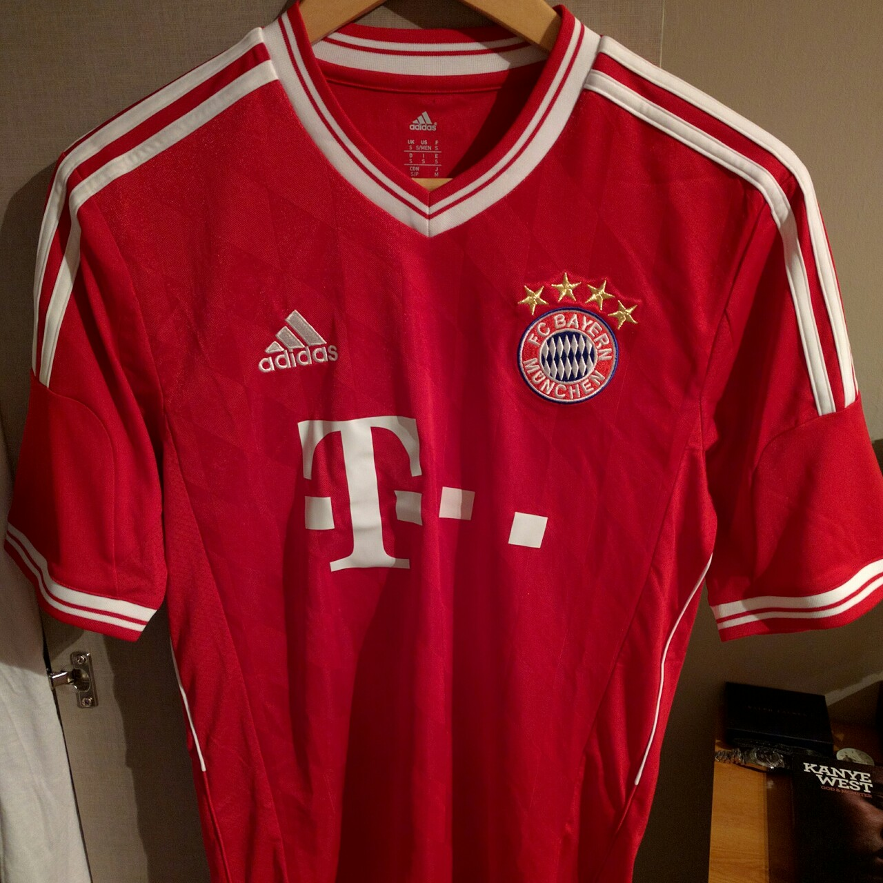 cheap for discount 57a9f bf54c Bayern Munich 2012/2013 Home Top Size Small Brand... - Depop