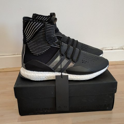adeb4f9e9d5b0 Y3 Adidas Approach Ultra Boost UK 10 (Fits smaller